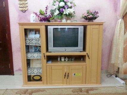 مكتبة خشبيه جديده + تلفاز ELECTRO للبيع