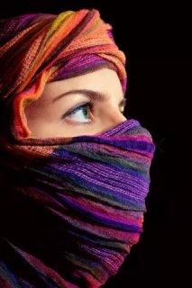 انا فتاة متعلمة ومثقفة من عائلة محافظة ومتدينة احب الصراحة