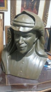 تمثال قديم للفنان عبدالله الرويشد