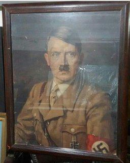 للبيع لوحه نادره وقديمه لهتلر