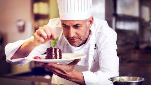 للاستقدام  طباخين وطباخات بتخصصات مختلفه من المغرب.