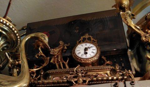 ساعة قديم وانادرة