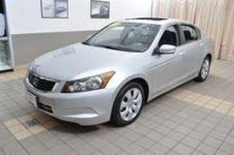 Silver Honda accord 2008