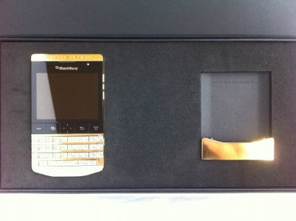 Blackberry Porsche Design P9981 Gold Vip Pin